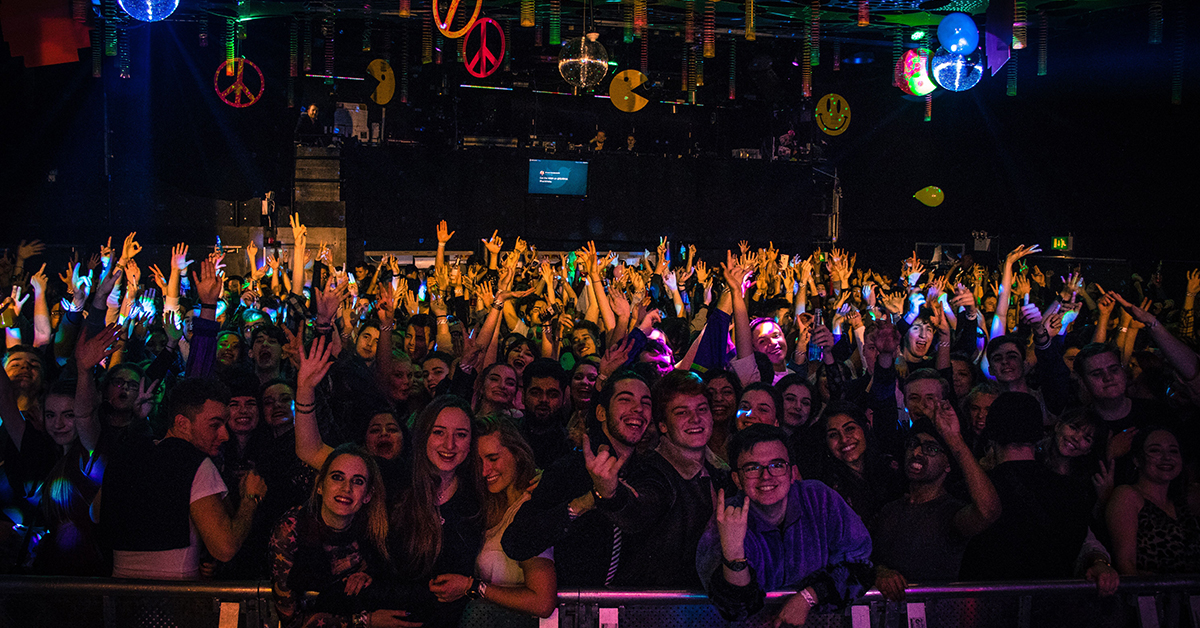 photo of students enjoying 80s, 90s, 00s at the Students' Union back in January