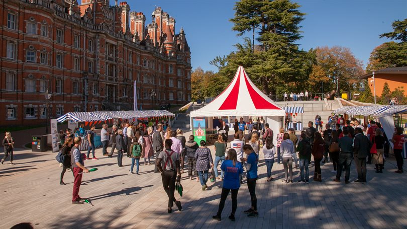 picture of students gathering in Founder's Square for the Festival of Volunteering